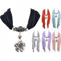 Šátek se šperkem - květina