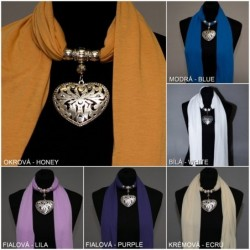 Šátek se šperkem-...